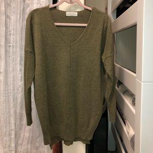 Super soft dark green sweater! Never worn!